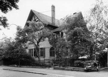 Bergstrasse 28