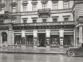 um 1920